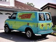 Lifted 2wd Mystery Machine